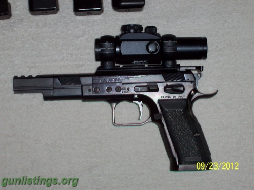 2_pistols_ipsc_ready__eaa_witness_.38_super_106312.jpg
